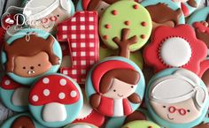Dolce - Red Riding Hood Birthday cookies made to match the invitation.