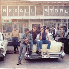 Ralph Macchio, Matt Dillon, and C. Thomas Howell outside the Rexall Drugstore in Sperry - Photopin 80s Movies, Good Movies, I Movie, Nothing Gold Can Stay, Stay Gold, The Outsiders Cast, The Outsiders Ponyboy, The Outsiders Quotes, Dallas Winston
