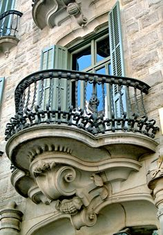 Barcelona – Casp 048 f - All About Balcony Beautiful Architecture, Beautiful Buildings, Art And Architecture, Architecture Details, Balcon Juliette, Balcony Window, Balcony Railing Design, Building Exterior, Historical Architecture