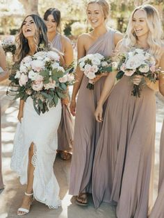 Wedding Tips to Stay Married to Your Budget as a Bridesmaid Bridesmaid Tips, Wedding Bridesmaid Dresses, Bridesmaid Dress Colors, Light Grey Bridesmaid Dresses, Lace Bridesmaids, Perfect Wedding, Dream Wedding, Wedding Day, Wedding Tips