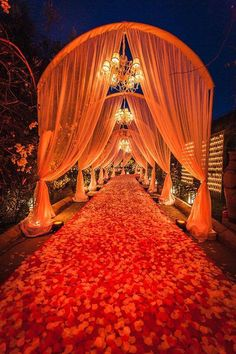 The entrance to your wedding, is this part of the wedding of your dreams? #destinationwedding #minttravel #weddingideas