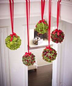 Here's a different #christmas decorating idea. Deck the halls with pretty pomanders suspended from the banister with decorative ribbon