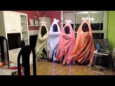 Yip yips makes me think of Vicky, need to show her this from freshman year - Top-Trends Kids Talent Show Ideas, Skits For Kids, Outside Activities For Kids, Chromatography For Kids, Dancing Baby, Freshman Year, Girls Camp, Musical, Funny Kids