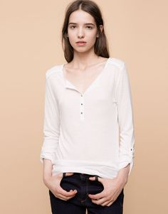 Pull&Bear - dames - t-shirts en tops - basic t-shirt met crochet polosluiting - ijs - 09238314-I2015