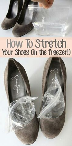 Para aflojar tus zapatos que te aprieten mucho sólo llena con agua a la mitad unas bolsas con cierre hermetico tipo ziploc, cierralas perfectamente y solo introducelas en tu zapato y dejalos toa la noche en el congelador. Hazlo las veces que sean necesarias.  Te sorprenderás.