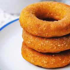 Low-Carb Pumpkin Donuts with Ground Almonds, Vanilla Protein Powder, Ground Flaxseed, Splenda, Baking Powder, Pumpkin Pie Spice, Salt, Solid Pack Pumpkin, Eggs, Vanilla, Milk, Butter.