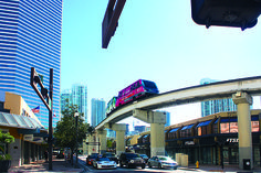Se Miamis skyline från luften