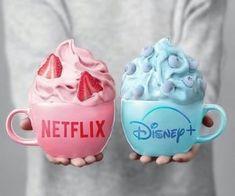 Candy Drinks, Fun Drinks, Yummy Drinks, Yummy Food, Comida Disney, Kreative Desserts, Cute Baking, Colorful Drinks, Kawaii Dessert