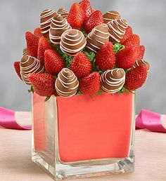 Chocolate covered strawberries for Valentine's Day | The Totefish Blog