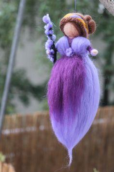 Zauberhafte Lavendel Fee, Fee, Jahreszeiten von Jalda auf www.DaWanda.com/Shop/Jalda-Filz #DIY #Herbst #Waldorfart #Jahreszeitentisch