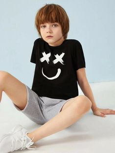 To find out about the Boys Smile Print Tee at SHEIN, part of our latest Boys T-Shirts & Tanks ready to shop online today! Cute 13 Year Old Boys, Young Cute Boys, Boy Models, Child Models, Cute Blonde Boys, Beauty Of Boys, Kids Photography Boys, Boys Underwear, Kids Fashion Boy