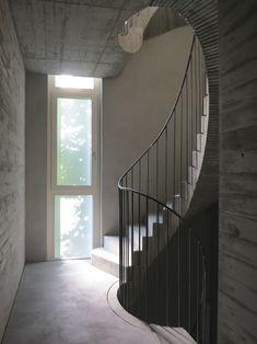 12-Artist-House-Leiko-Ikemura-Treppenraum-stair-case-©-PhvM-Photo-Anita-Back.jpg (1499×2000)