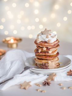 Siirappisen Ihanat Piparkakkupannukakut (Ve) Pancakes And Waffles, Yummy Cakes, Baking, Breakfast, Desserts, Christmas, Food, December, Inspiration
