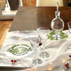 La tavola di Natale: come prepararla e decorarla con stile - Ricette delle feste   Donna Moderna