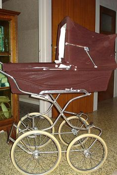 I remember my mum having a silver cross pram like this for my brother!