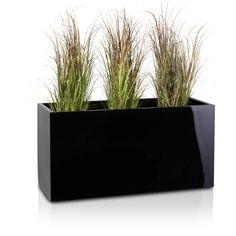 Der Pflanztrog VISIO 50 aus Fiberglas ist der perfekte Pflanzbehälter für Terrasse und Balkon. Aber auch bei der Gestaltung von Innenräumen wie bspw. Arztpraxen, Büros oder Lobbys erfreut sich dieser rechteckige Blumentrog immer größer werdender Beliebtheit. Dank des modernen, klaren Designs und der schwarzen Hochglanz-Oberfläche wirkt der VISIO 50 überaus edel und passt sich harmonisch an seine Umgebung an.