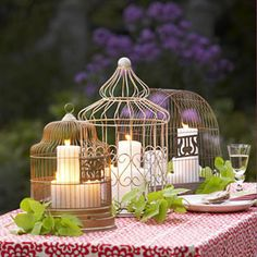 Bird cage with candles inside as wedding decor or centerpieces Rustic Wedding Centerpieces, Diy Centerpieces, Party Decoration, Table Decorations, Bird Cage Centerpiece, Bird Cages, Deco Table, Just In Case, Table Settings
