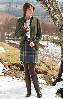 For winter: Ladies Straight Short Tweed Skirt Preppy Outfits, Country Outfits, Preppy Style, Irish Fashion, Country Fashion, Cozy Fashion, Autumn Fashion, British Country Style, Scottish Women
