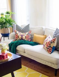 50+ Spring Color Home Decor Living Rooms_2