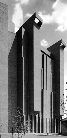 Brutalism: Agronomy Building, Cornell University, Ithaca, New York, 1968 (Ulrich Franzen) Concrete Architecture, Futuristic Architecture, Amazing Architecture, Art And Architecture, Brutalist Design, Brutalist Buildings, Modern Buildings, Photo D'architecture, Concrete Structure
