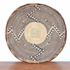 Carafe, Tribal Trends, African Crafts, African Design, Wicker, Decorative Plates, Sweet Home, Home Appliances, Handmade Crafts