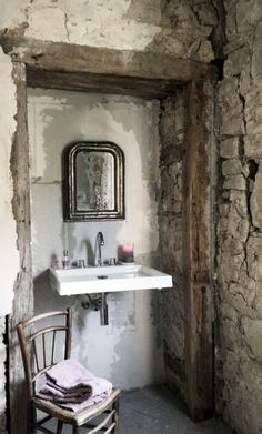 Rustic with modern sink wash room Industrial House, Industrial Style, Industrial Furniture, Industrial Design, Baños Shabby Chic, Perry Homes, Interior And Exterior, Interior Design, Modern Sink