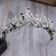 vintage black rhinestone leaf shape hair tiara crown for women Princess Hairstyles, Crown Hairstyles, Queens Tiaras, Crown Aesthetic, Vintage Princess, Crystal Crown, Bridal Crown, Bridal Hair, Bridal Headpieces