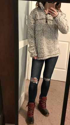 Sperry duck boats outfit leggings skinny jeans 48 ideas for 2019 Duck Boots Outfit, Jeans Outfit Winter, Winter Outfits, Denim Jacket With Dress, Boating Outfit, Summer Dress Outfits, Ripped Skinny Jeans, Sperrys