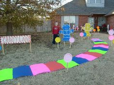 Cute! The entrance to the candy land party!