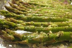 Quick Recipe: Garlic-Pepper Oven Grilled Asparagus