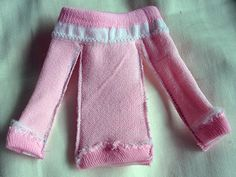 Blythe diy-dress made from a child's sock! Via Blythelife. http://www.allaboutallaboutallabout.com/