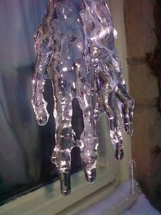 Post with 7999 votes and 4528 views. Definitely the most disturbing icicle I've ever seen. Story Inspiration, Writing Inspiration, Character Inspiration, No Ordinary Girl, Mileena, Ice Sculptures, Sculpture Ideas, Hand Shapes, To Infinity And Beyond