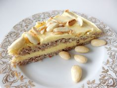 Recept na výborný Švédský mandlový dort. Tento zákusek, moučník určitě znáte z restaurace v obchodním domě IKEA. Sweet Desserts, Dessert Recipes, International Recipes, No Bake Cake, Bellisima, Sweet Tooth, Cheesecake, Deserts, Cooking Recipes