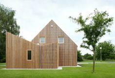 © Filip Dujardin Architects: adn Architectures Location: Anderlues, Belgium Area: 24.0 sqm Year: 2014 Photographs: Filip Dujardin © Filip