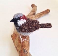 House sparrow crochet sculpture realistic by FreshlyKnittedThings ♡