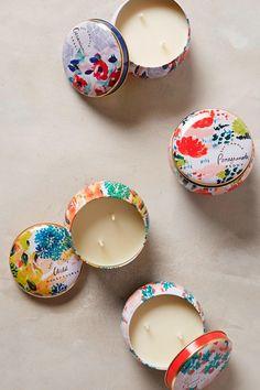 primaverales piezas para el hogar - Velas Spring's Eden Candle Tin, Anthropologie
