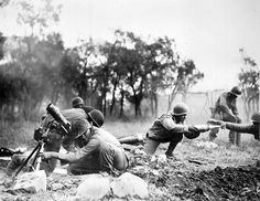 American squad mortar firing in Italy, 1944