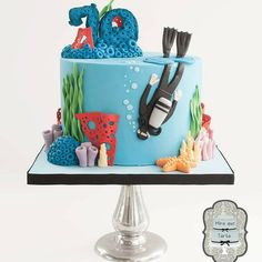Under the Sea  fish cake 17........For more info, Please visit: https://cakerschool.com/