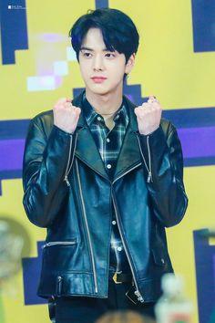 Boy Groups, Idol, Entertaining, My Love, Boys, People, Men, Respect, Korea