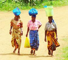 Local Tanzanian women I passed when doing a coffee tour in Moshi