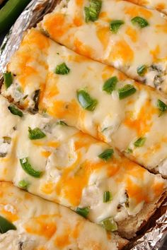 Cheesy Jalapeno Popper Bread Recipe - crispy baked bread topped with jalapeno popper mixture, cheese and fresh chopped peppers. Perfect appetizer for parties and gatherings! Milk Recipes, Veggie Recipes, Bread Recipes, Vegetarian Recipes, Cooking Recipes, Bacon Recipes, Veggie Food, Cooking Tips, Bread Appetizers