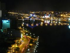 A corner of Da Nang City at night. Photo: Nguyen Tu