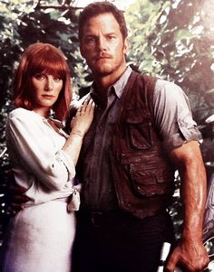 Claire and Owen Pose Jurassic World