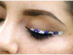 Flower Eyeliner Makeup Tutorial -- KaidenCapri.com