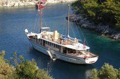 El Bandido || #elbandido #boat #tekne #yat #yacht #motoryat #motoryacht #motorsailer #classic #yelkenli #sail #sailor #sailin #yachting #boating #luxury #luxurysail #luxuryyacht #yachtlife #yachtworld #fashion #wealthylife #expensive #sealife #deniz #sea #water #bluelife #style #yatvitrini .. http://www.yatvitrini.com/el-bandido?pageID=128