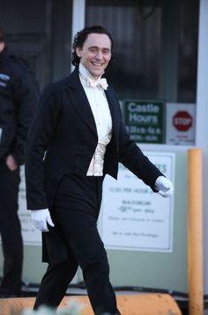 Tom Hiddleston seen filming scenes for Crimson Peak in Toronto on April 23, 2014 [HQ]