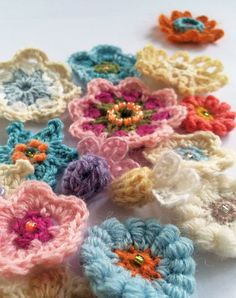 Microsoft Word - Summer Garden Scarf KFP.docx...Beautiful scarf with the prettiest flower embellishments!..FREE PATTERN!