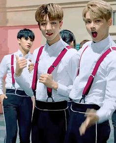 CHINA LINE [SEVENTEEN - NICE] (Jun what's with the creepy face tho???)