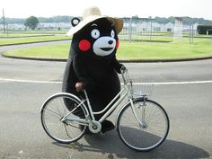 Kumamon, biking.