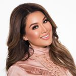 "173 mil Me gusta, 741 comentarios - Naomi Giannopoulos (@vegas_nay) en Instagram: ""This look 🙌 @chelseasmakeup platinum glitter liner combined with rose gold hues"""